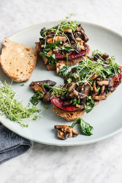 Roasted beet, mushrooms and spinach vegan sandwich