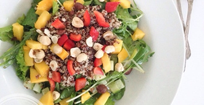 Meatless Monday: Nourishing bowl – Quinoa, mango and nut salad (vegan, gluten-free)