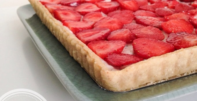 Strawberry + chèvre tart (very low sugar, low gluten)