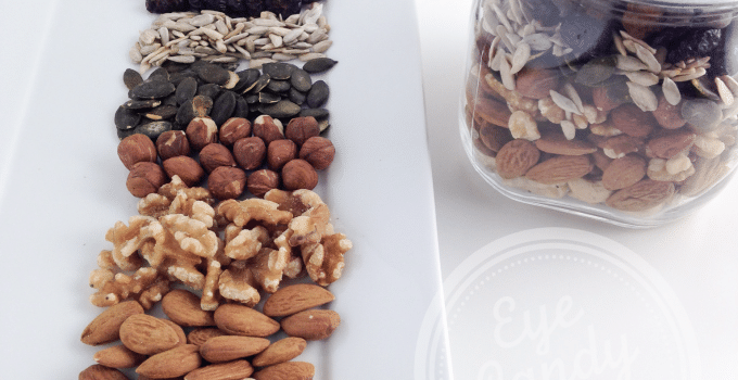 Easy tips: How to make your own healthy trail mix, and why raw and organic is better (vegan, raw, gluten-free, paleo)