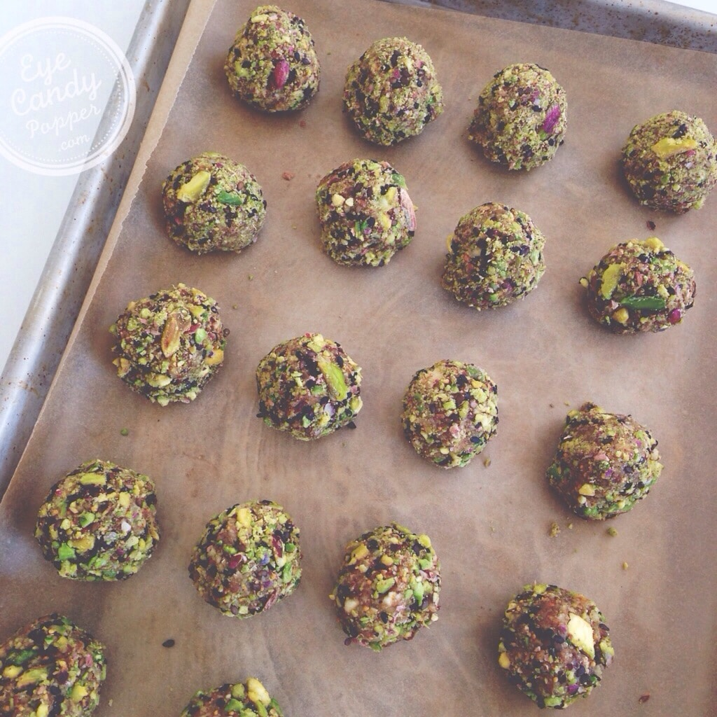 Fig and pistachio powerballs (vegan, raw, gluten-free)