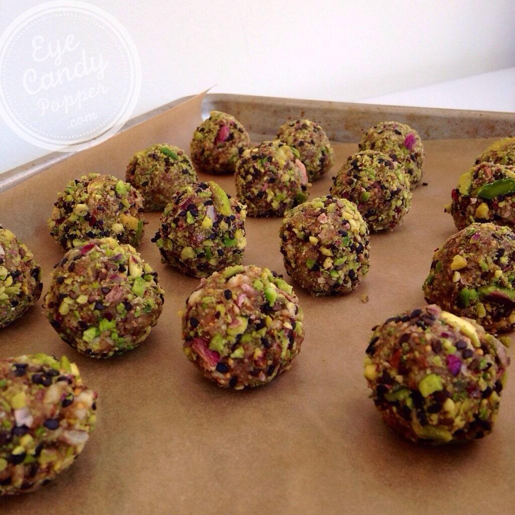 Fig and pistachio power balls | vegan, raw, gluten-free