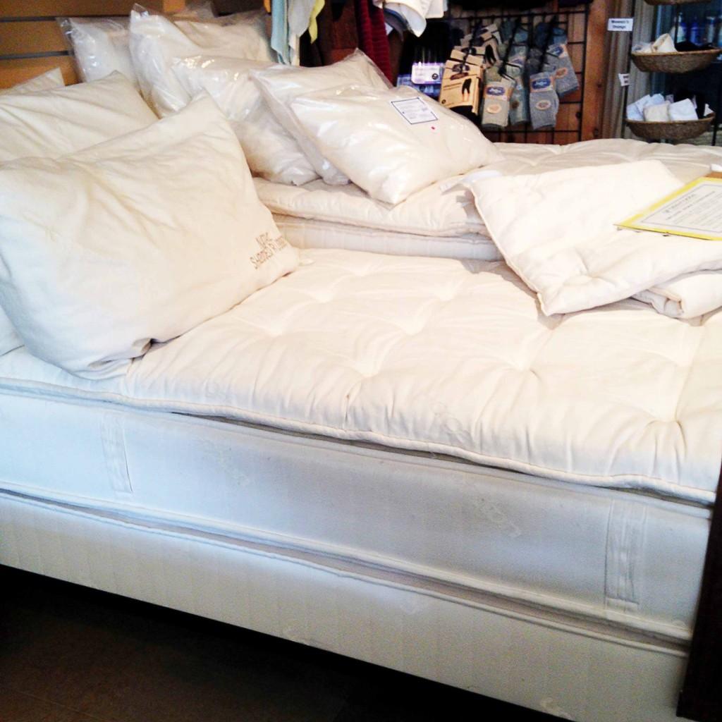 organic and natural mattress set review
