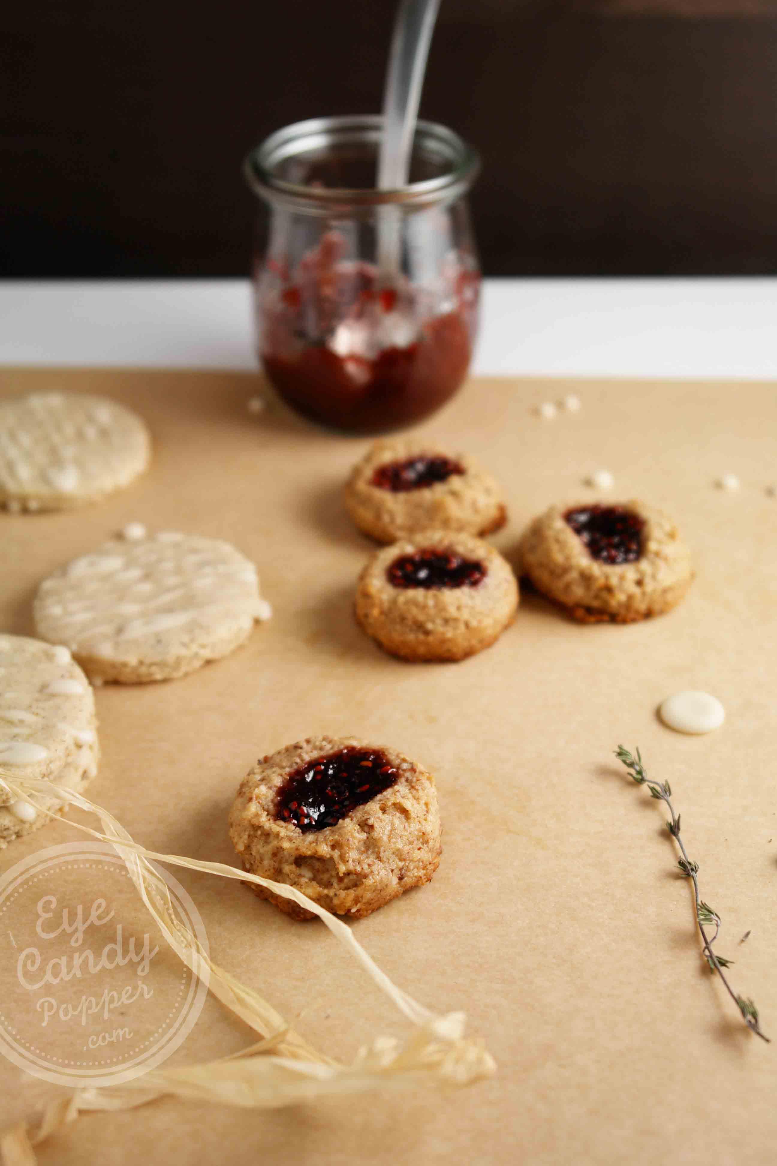 Healthy Almond Raspberry Thumbprint Cookies | Vegan ...