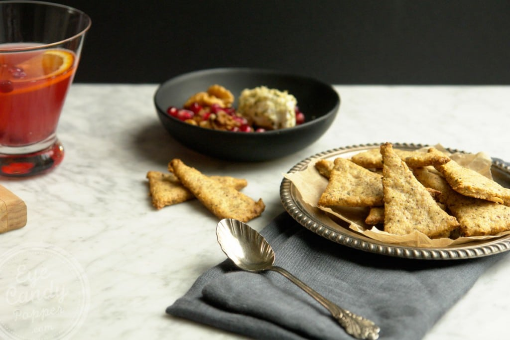 Herbs black pepper crackers